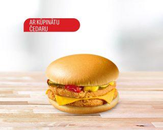Dubultais vistas burgers ar kūpinātu Čedaru